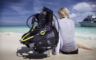 Buy dive wear and dive equipment on our online scuba shop