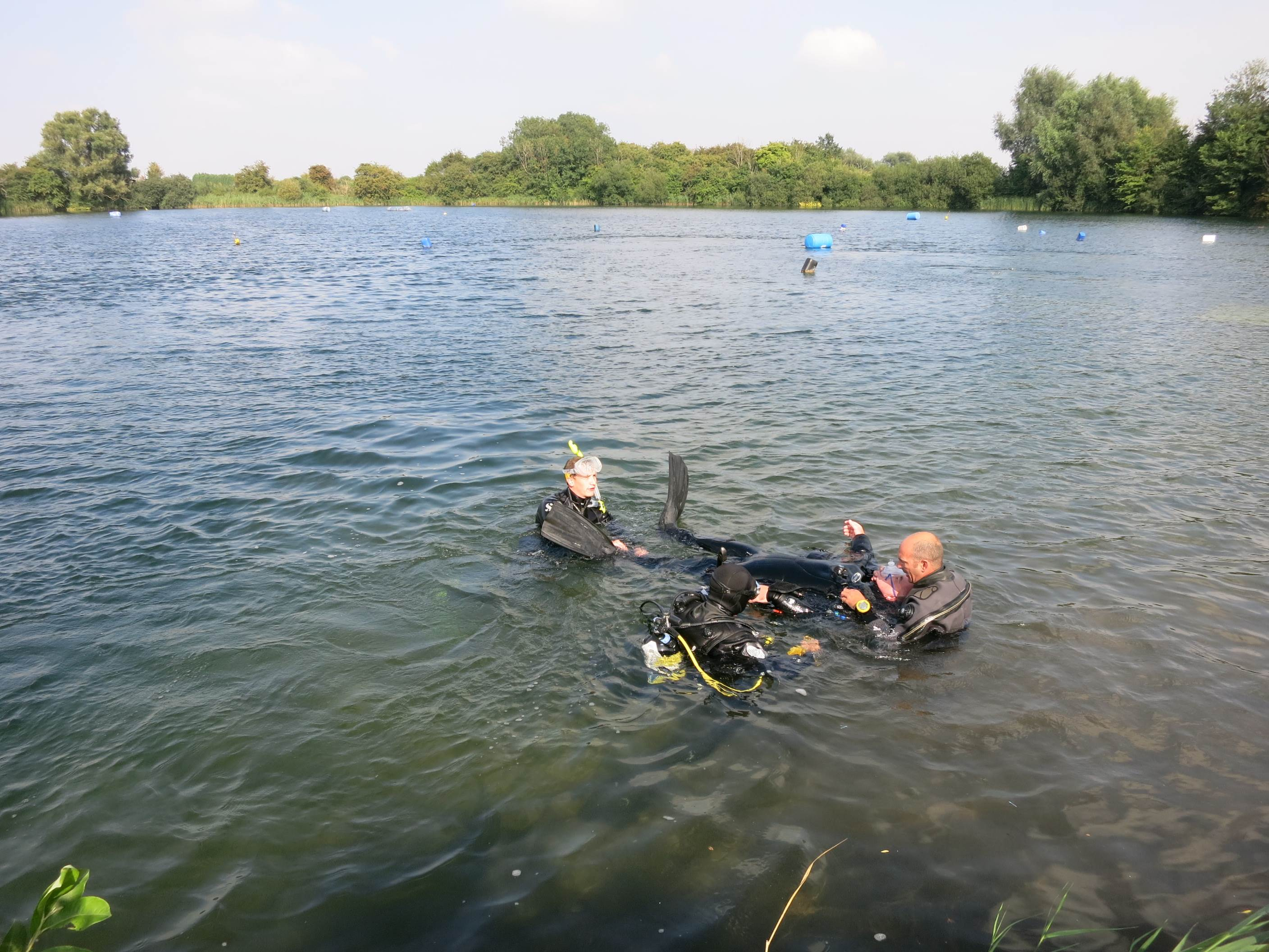 PADI Open Water dives are conducted in a lake in Cambridgeshire