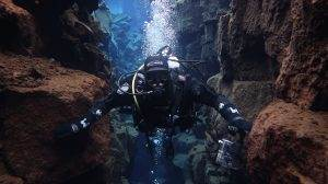 2DiVE4 dive between the continental plates in Icelend