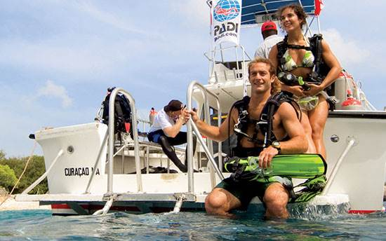 Scuba diving UK trips and overseas dive holidays with 2DiVE4 scuba school in Herts