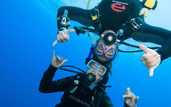 Learn to scuba dive in Essex and Hertfordshire at 2DiVE4 Scuba diving school
