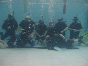 5 New Scuba Review participants at 2DiVE4
